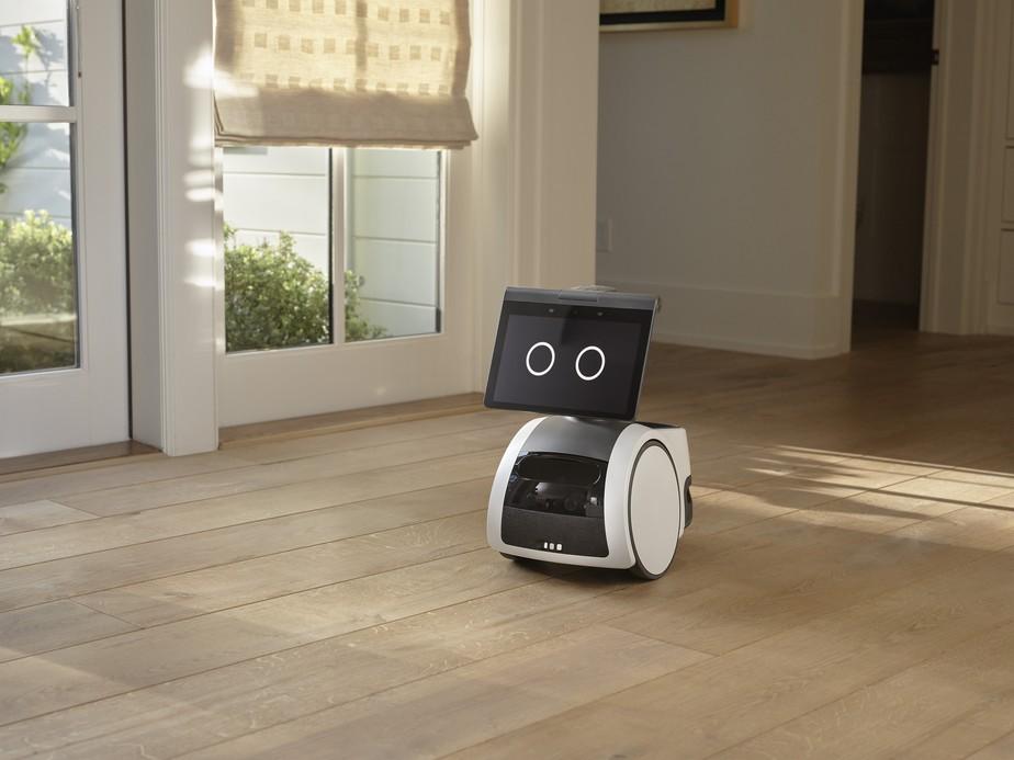 Conheça o Astro da Amazon, robô que segue o dono e vigia a casa